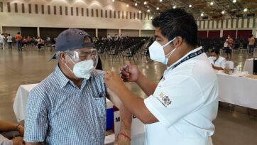 Se inició el registro de vacunación para adultos de 50 a 59 años en México, con un pequeño contratiempo. (Christian Valera Rebolledo/Café Words)