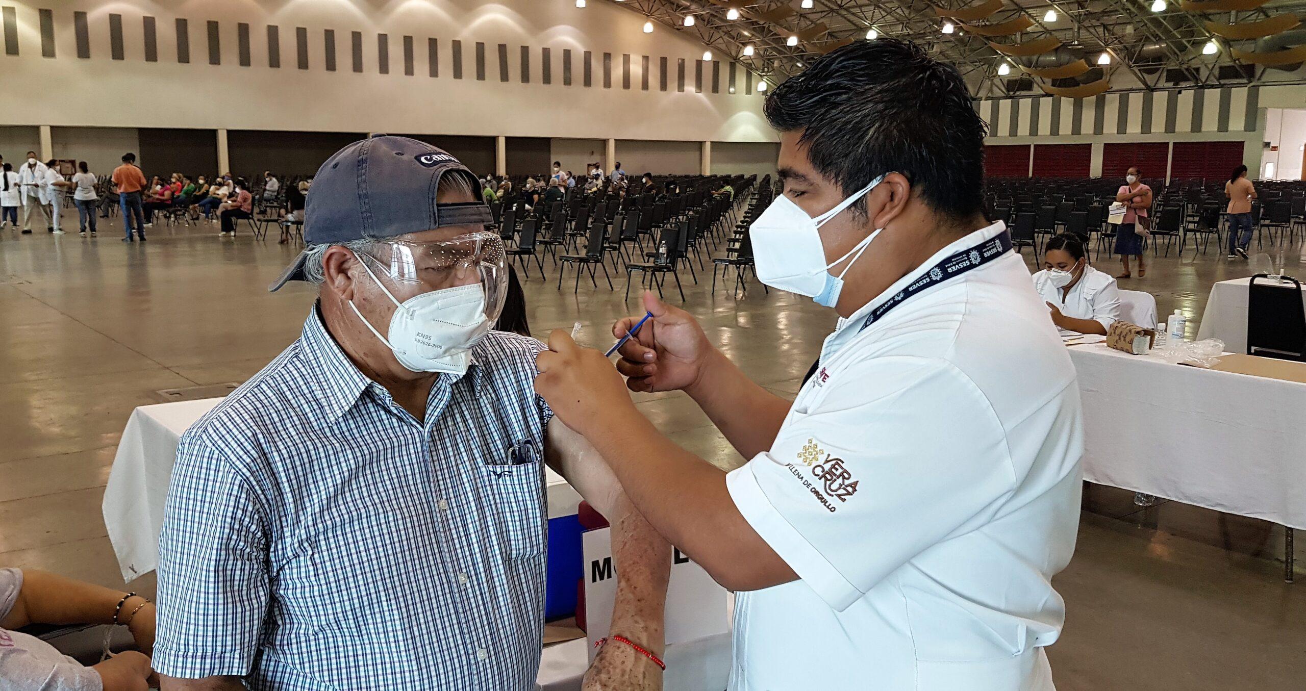 México inició registro de vacunación para personas de 50 a 59 años