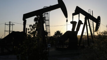 Oil Prices Trade In Negative Numbers For First Time Amid Global Oil Glut