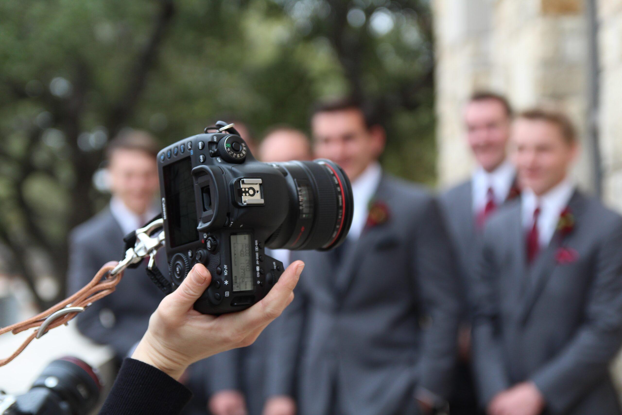 El fotógrafo de bodas ayuda a cuidar recuerdos