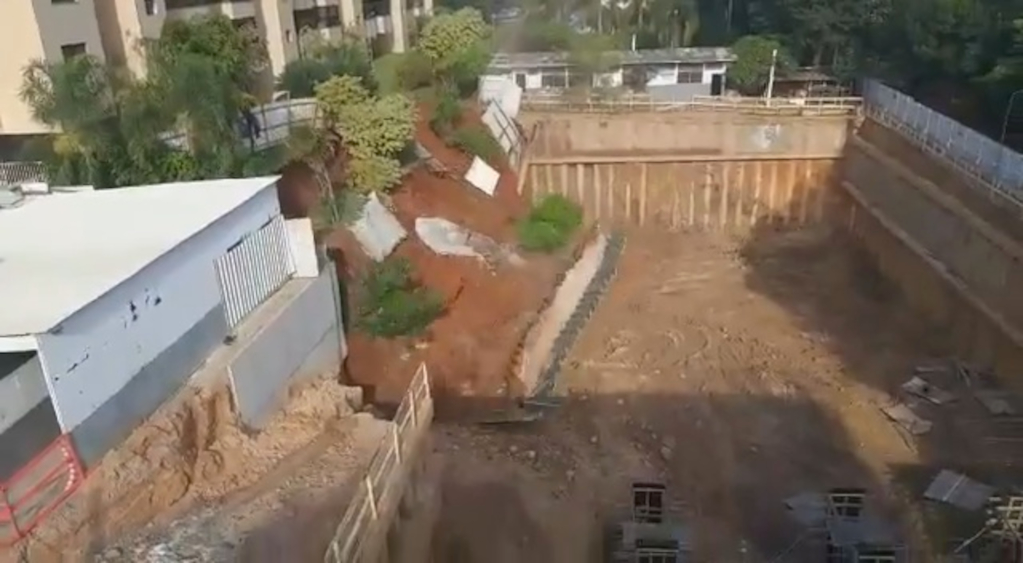 VIDEO: Great Fall: Terror As Tons Of Earth Move As Wall Collapses