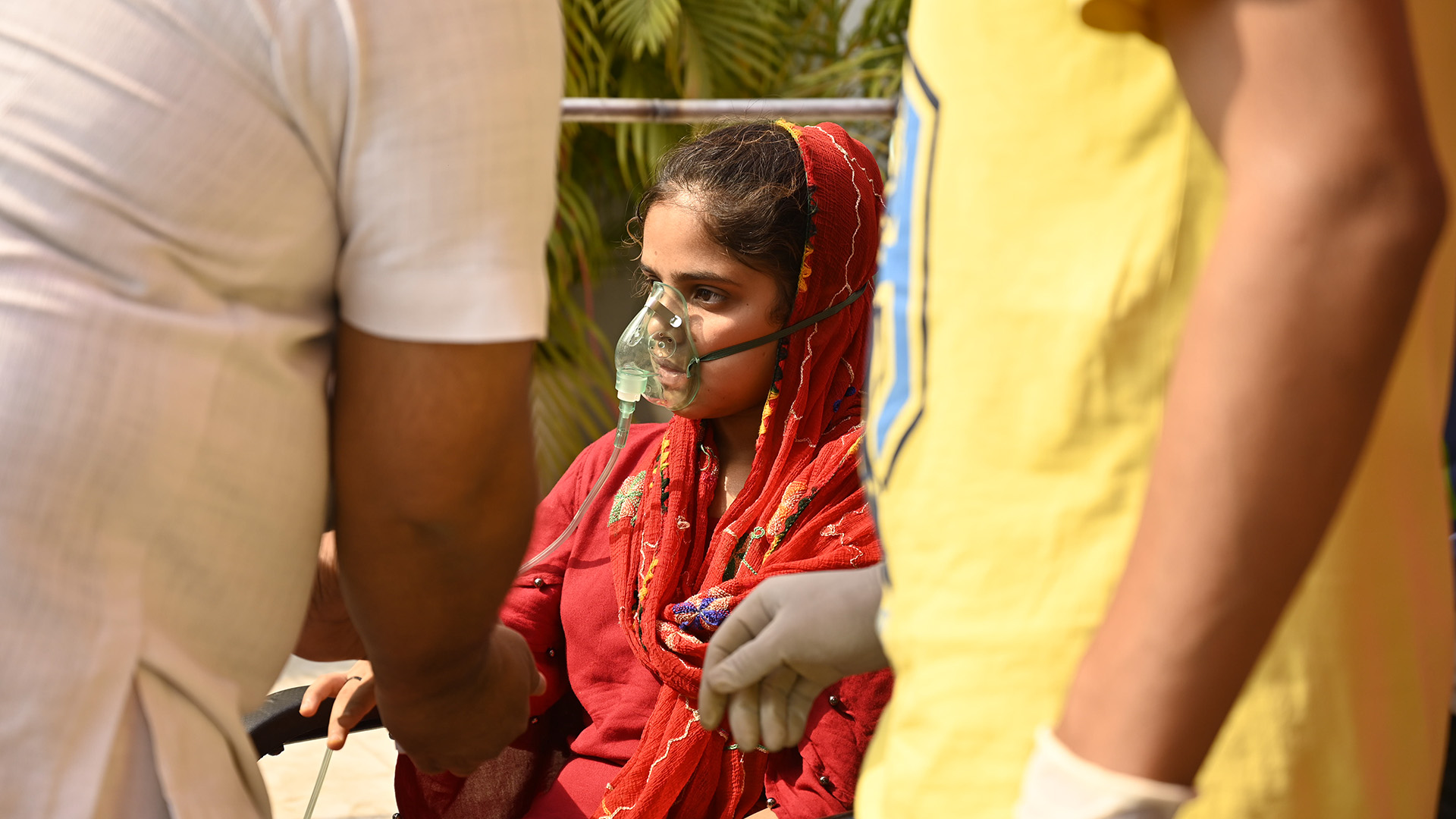 VIDEO: As India's Covid Patients Gasp For Air, Charities Step In Where Bureaucrats Fail
