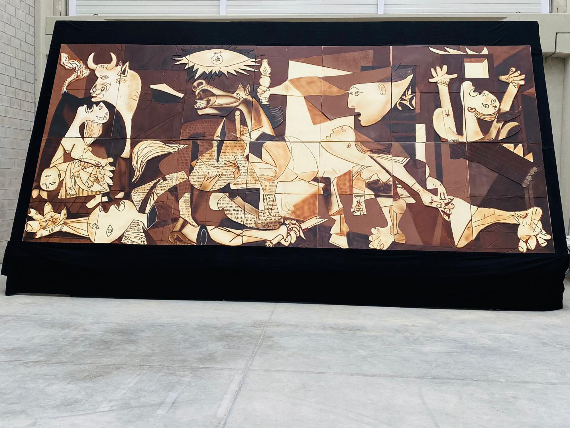 Pic-and-Mix-asso: Iconic 'Guernica' Painting Recreated With A Half-Ton Of Chocolate