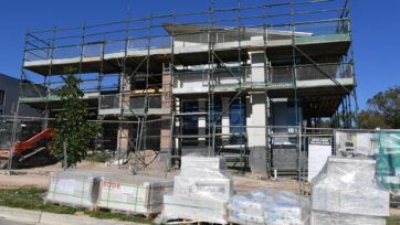 Australia's construction sector continued to power ahead in April, the Ai Group says.