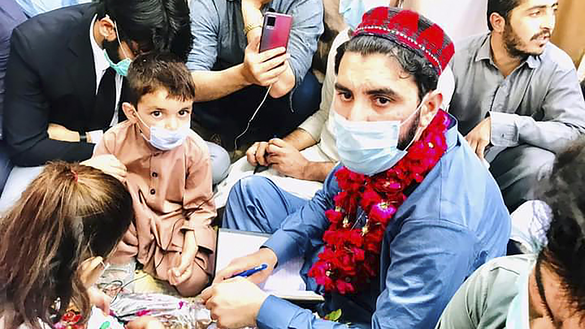 Pashtun Uprising Marches Toward Pakistan Capital After Graves Of Four Youngsters Found