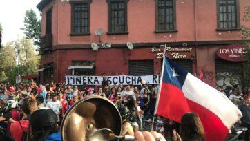 Las protestas en contra del gobierno del presidente chileno Sebastián Piñera se desataron en octubre de 2019, y llevaron a la redacción de una nueva Constitución, que está en proceso. (Guido Coppa/Unsplash)