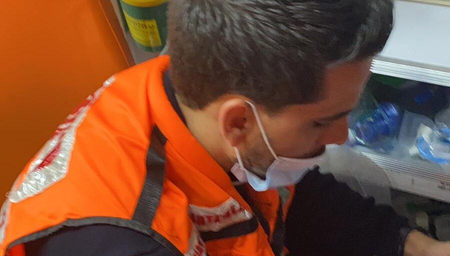 Muslim Doctor Injured As He Saves Jewish Man Stabbed, Beaten By Mob