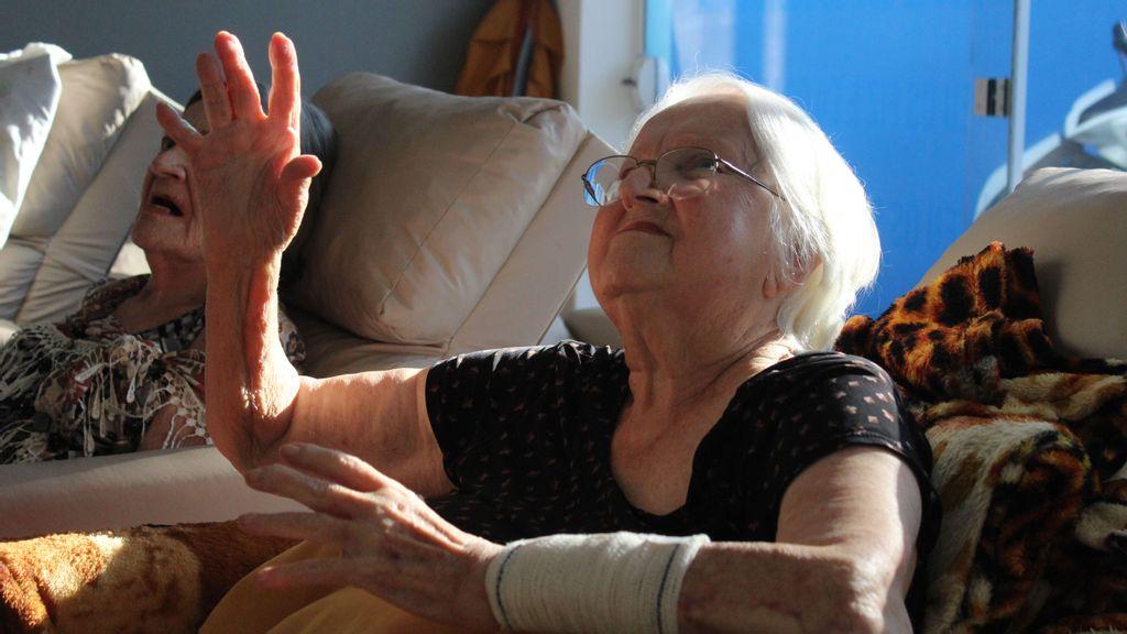 Capoterapia practicada en hogares de adultos mayores en Brasil ofrece beneficios