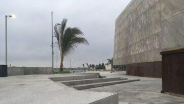 El Foro Boca, en Boa del Río, Veracruz, hace honor al nombre de la ciudad, ya que está construido donde el río Jamapa se desemboca en el Golfo de México. Ahora se mantiene cerrado por la pandemia. (Carlos Moron/Café Words)