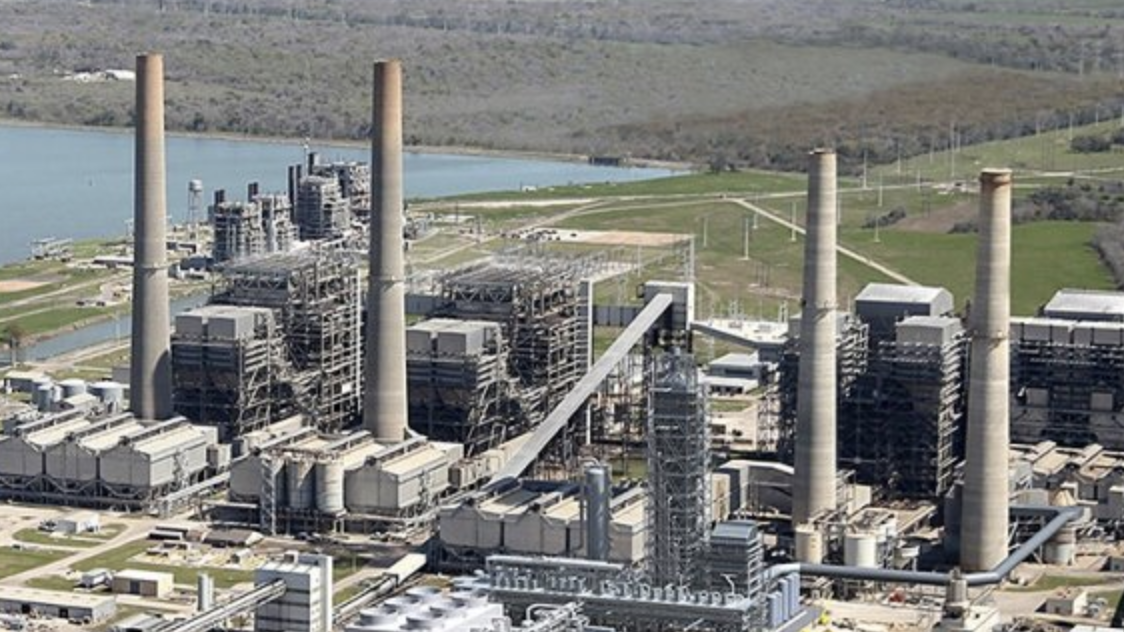 Boardroom Brawl: ExxonMobil Faces Proxy Fight Over Cutting Carbon