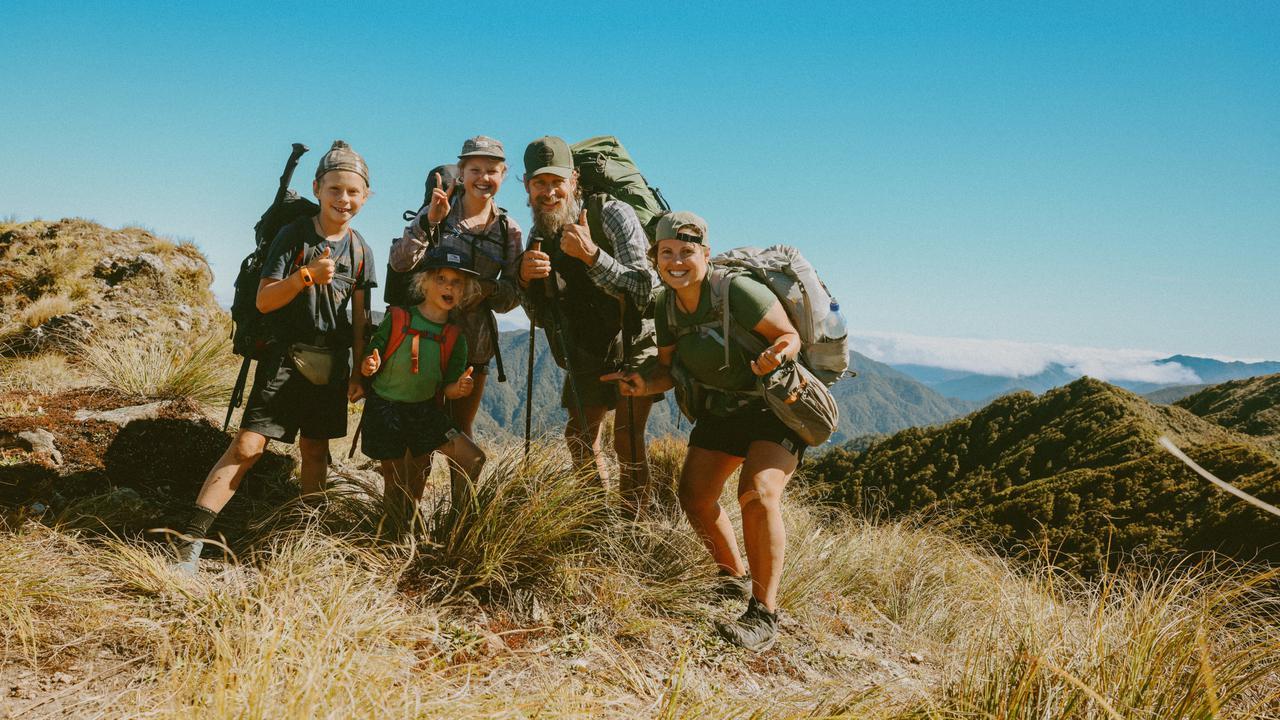 Australia's Sydney Family Hike Length Of New Zealand
