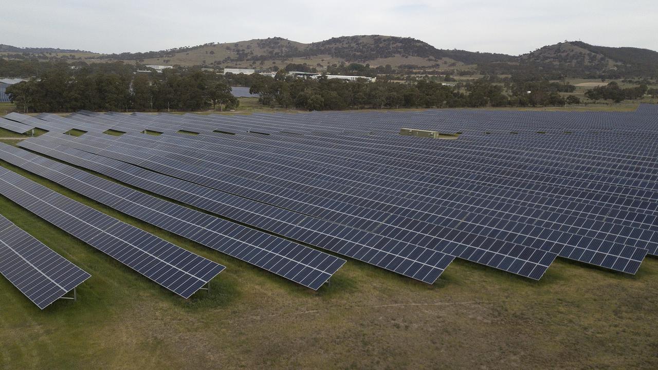 Senior Minister Hails Australian Renewables For Emissions Fall