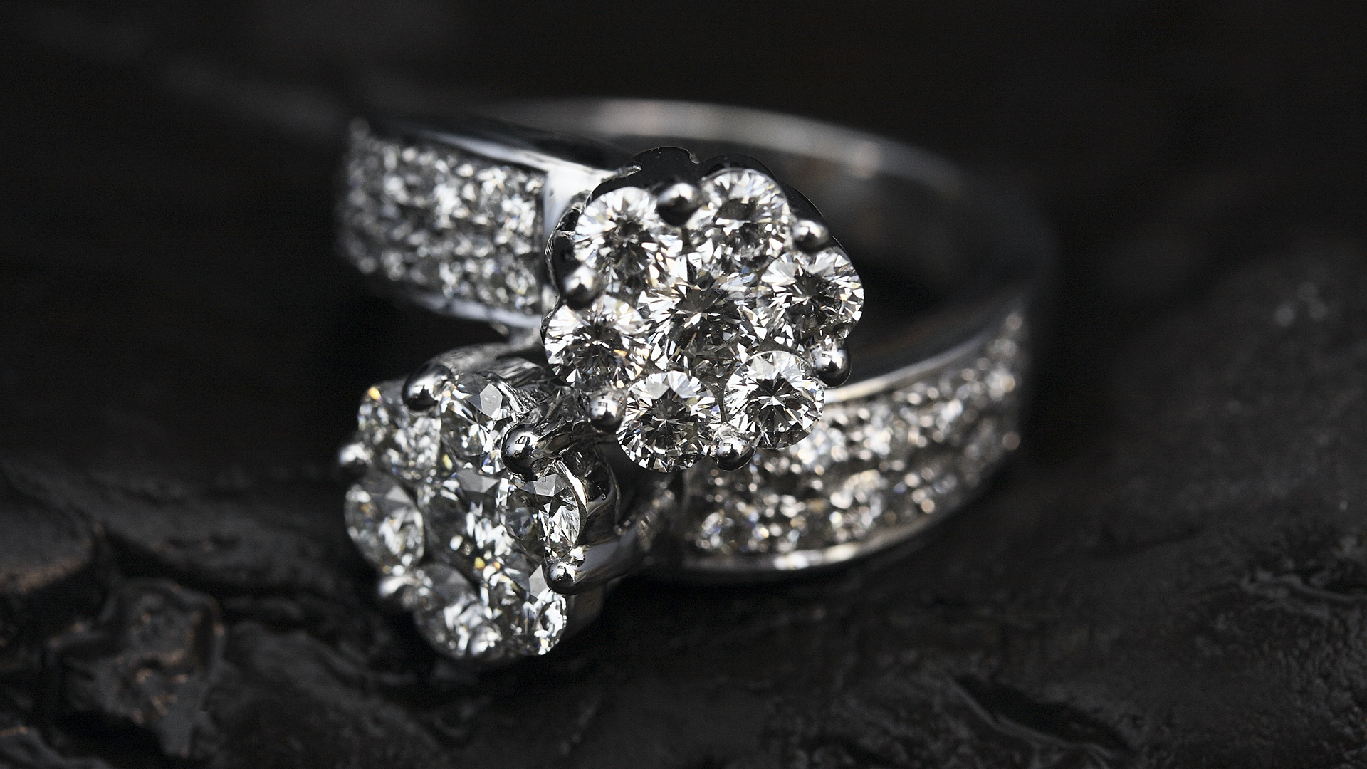 Ethical, Green Concerns Make Jewelry Firms Look Towards Lab Diamonds