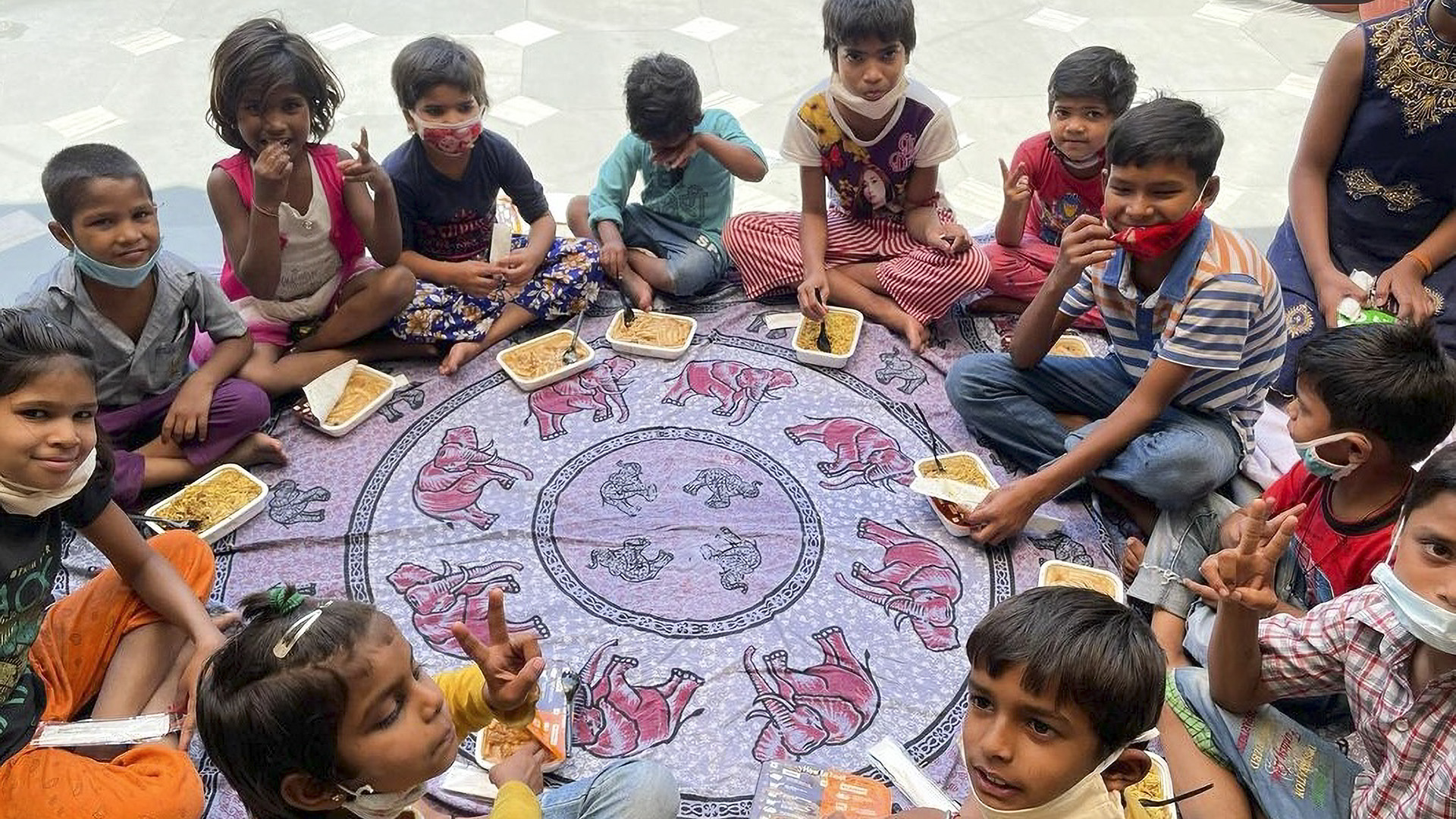Home-Cooked Food At Doorsteps: An Initiative By India's Covid Warriors