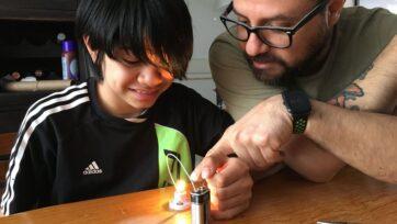 strongEn las familias de 'homeschoolers', los temas de estudio son elegidos entre los padres y los hijos, según sus intereses. (Cortesía familia Retana Pineda)/strong