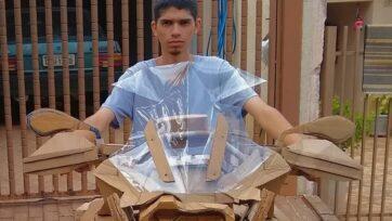 El pasatiempo de Henry Goncalves es construir motocicletas de cartón en São José do Rio Preto, Brasil. (@robertahornet/Zenger News)