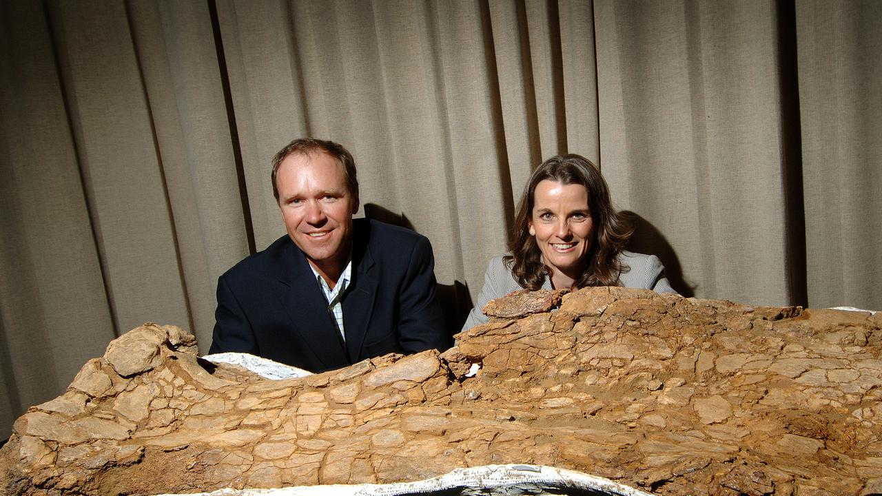 Roar Prawn: Experts Unearth Australia's Largest Dinosaur