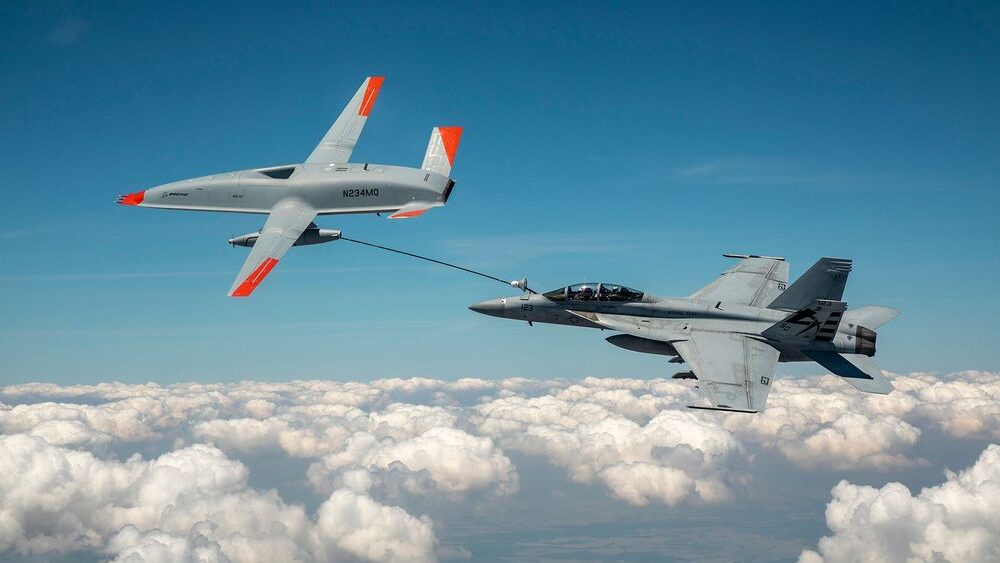 VIDEO: High Supplier: Drone Makes World's First Unmanned Aerial Refuel With US Fighter Jet