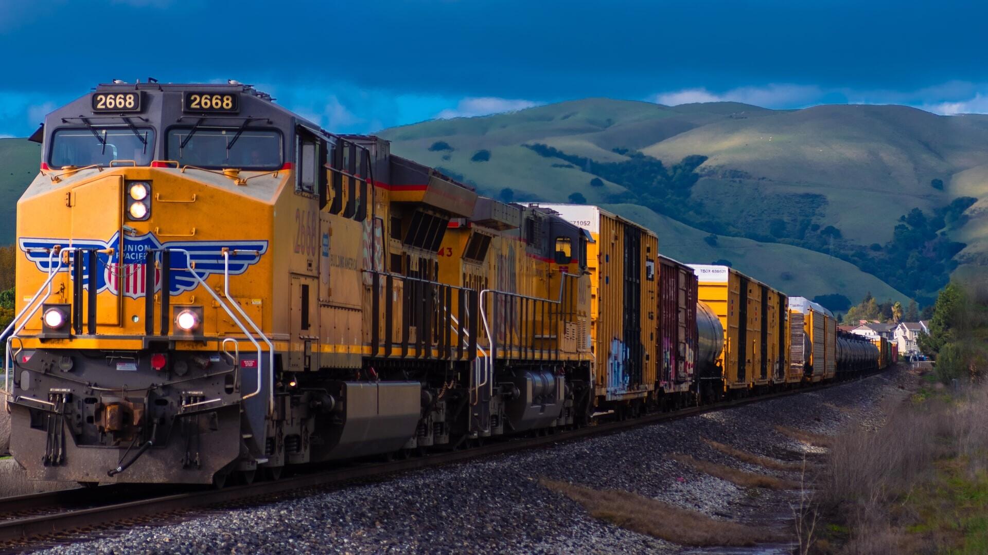Smarter News Quiz: Billionaire Philanthropy, Hydrogen-Powered Trains and Tropical Storms