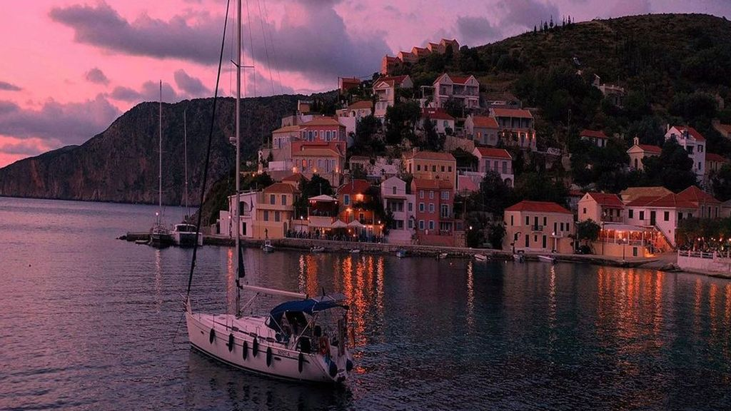 VIDEO: Greek Odyssey: Photographer's Amazing Images Of Ancient Sites And Islands
