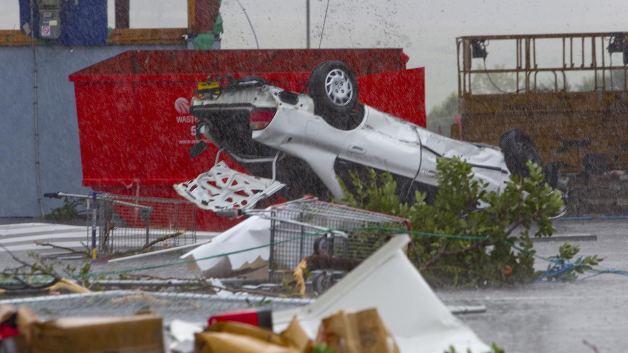 New Zealand's Aucklanders Pick Up Pieces After Tornado