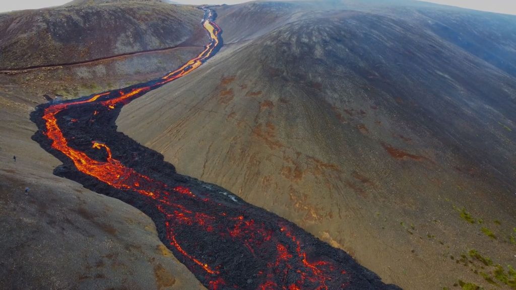 VIDEO: Volca-No! Terrifying Footage Of Lava Flow Released To Scare Off Crater Hunters