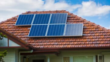 More than 100,000 households have received a rebate as part of Victoria's solar scheme.