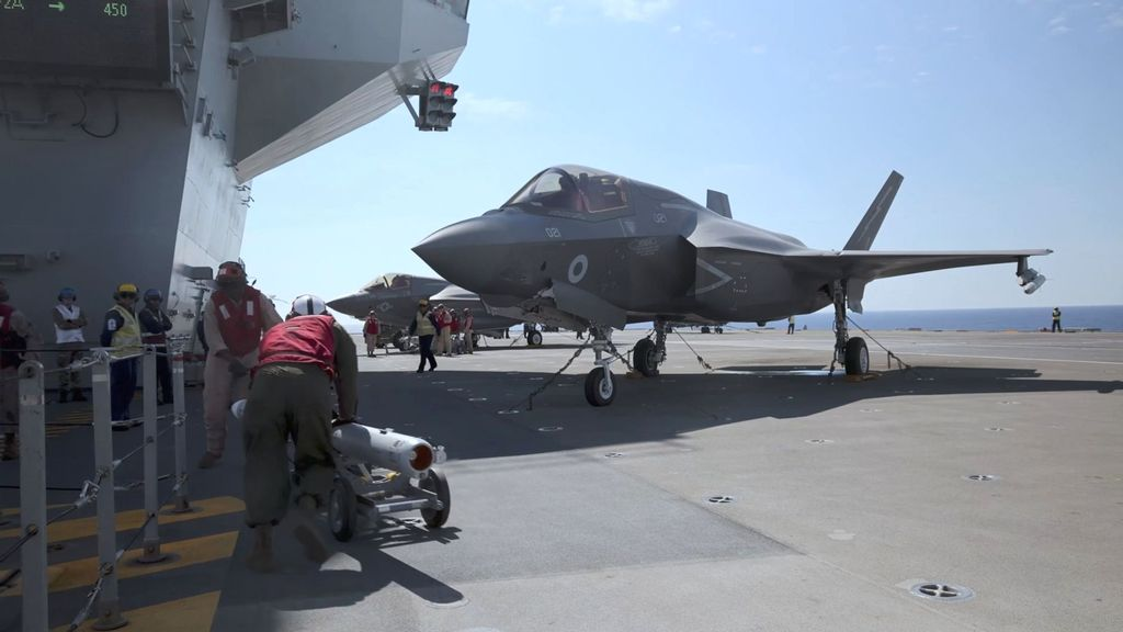 VIDEO: QE Flew: US, UK Jets Conduct Anti-ISIS Strikes From Britain's New Carrier