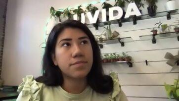 María Vasco abrió una tienda física para Uvida, la primera tienda 'zero waste' en Boston, en diciembre de 2020, después de poco más de un año de operar únicamente en línea. (Stella Lorence).