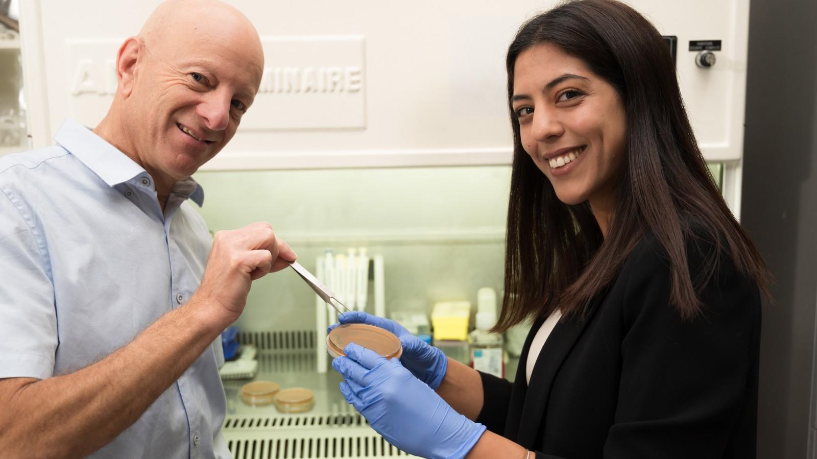Molecular Tweezers Take On Antibiotic-resistant Bacteria