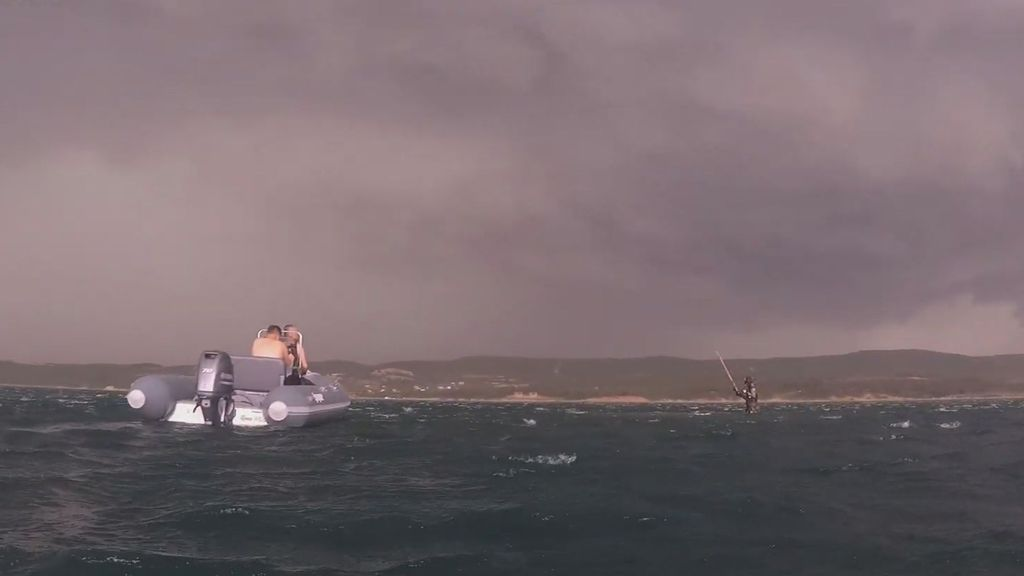 VIDEO: YouTuber Caught In Heavy Storm While Diving In Saros Bay