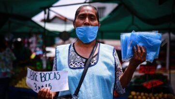 strongMuchos mexicanos, especialmente aquellos que venden productos en las calles, perdieron su fuente de ingreso durante la pandemia. Sus familiares en Estados Unidos acudieron en su ayuda en 2020 con los índices más altos de remesas. (Manuel Velasquez/Getty Images)./strong