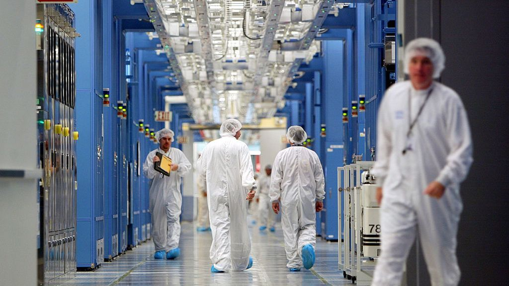 Why Businesses Are Still On A Semiconductor Waiting List