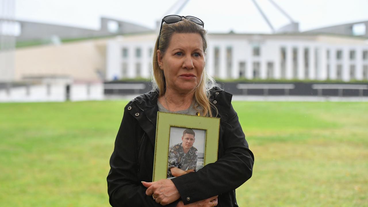 Australian Veterans' Families Welcome Suicide Inquiry