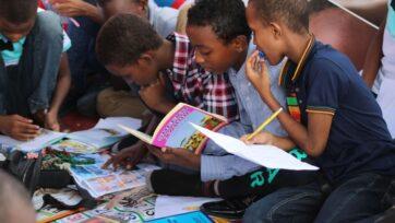 strongMás de la mitad (57 por ciento) de los niños encuestados dijeron que les gusta mucho la ficción o los libros de cuentos, según un estudio reciente. (Ismail Salad Hajji dirir/Unsplash)./strong
