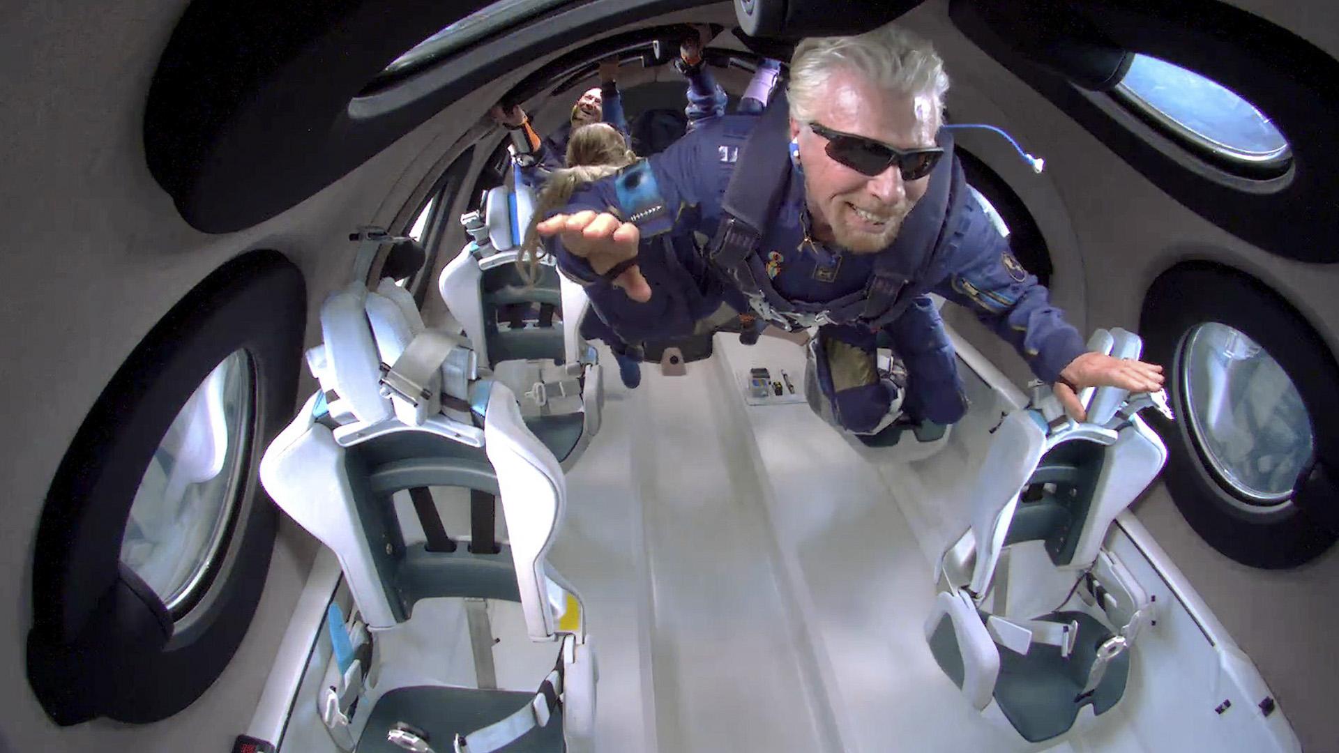 Virgin Galactic Spaceship Returns With Branson, Crew