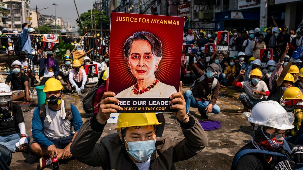 Aung Suu Kyi Faces New Corruption Charges In Mandalay Court