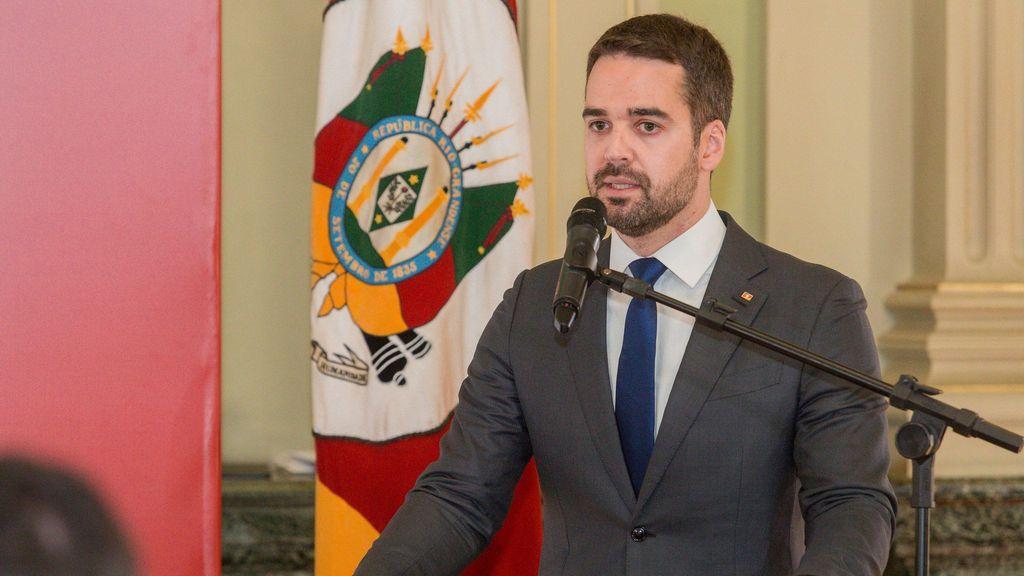 Pre-candidato presidencial en Brasil admite ser gay en un momento clave