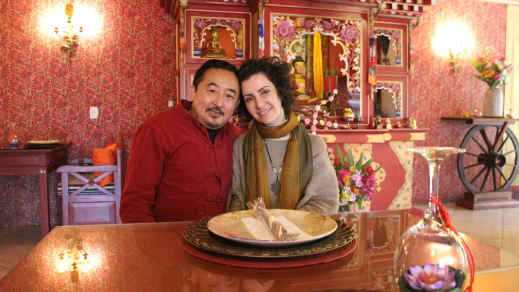 <p>Ogyen and Adriana met in 2009 at the Khadro Ling Buddhist Temple, in Três Coroas, Brazil. (Luciano Nagel/Zenger)</p>