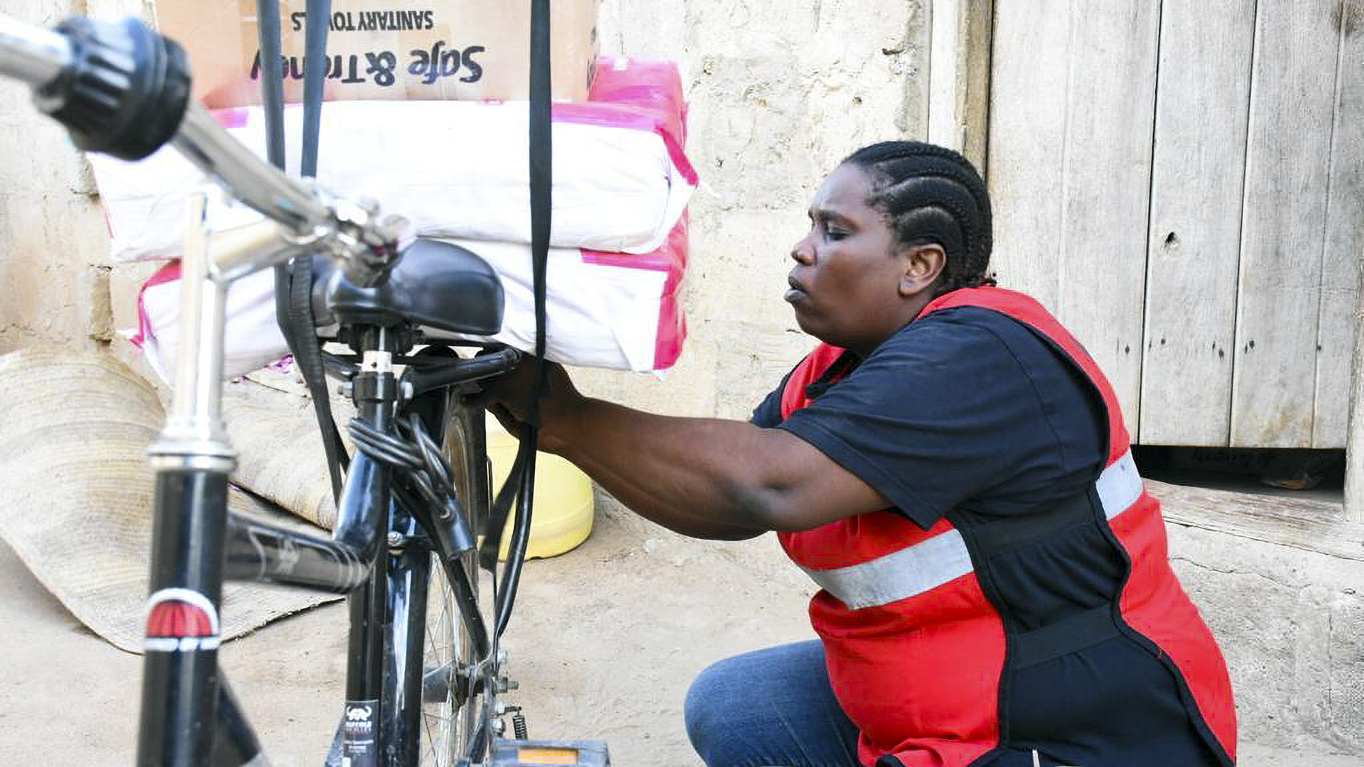 Cycling For Sanitary Pad Earns Kenyan Woman International Recognition