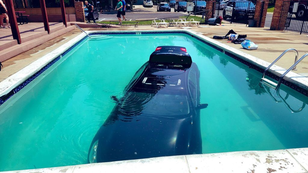 VIDEO: Water Park: Teen Driver Crashed Into Swimming Pool