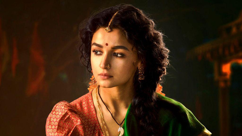 """Bollywood Actress Alia Bhatt Joins """"RRR"""" Shoot"""