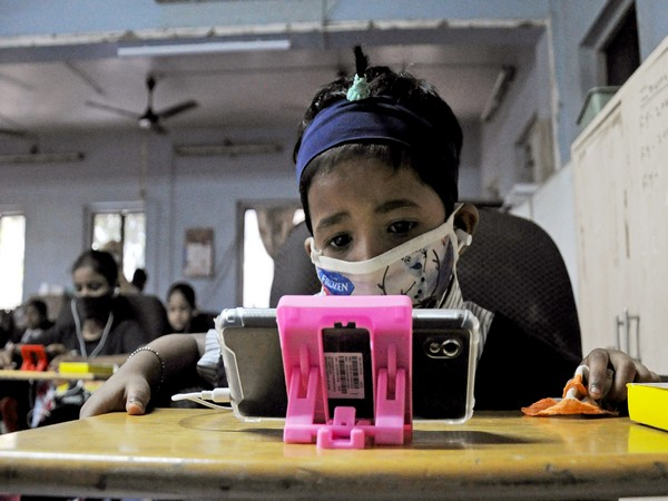 Only 10 Percent Indian Children Using Smartphones To Study, Claims Research