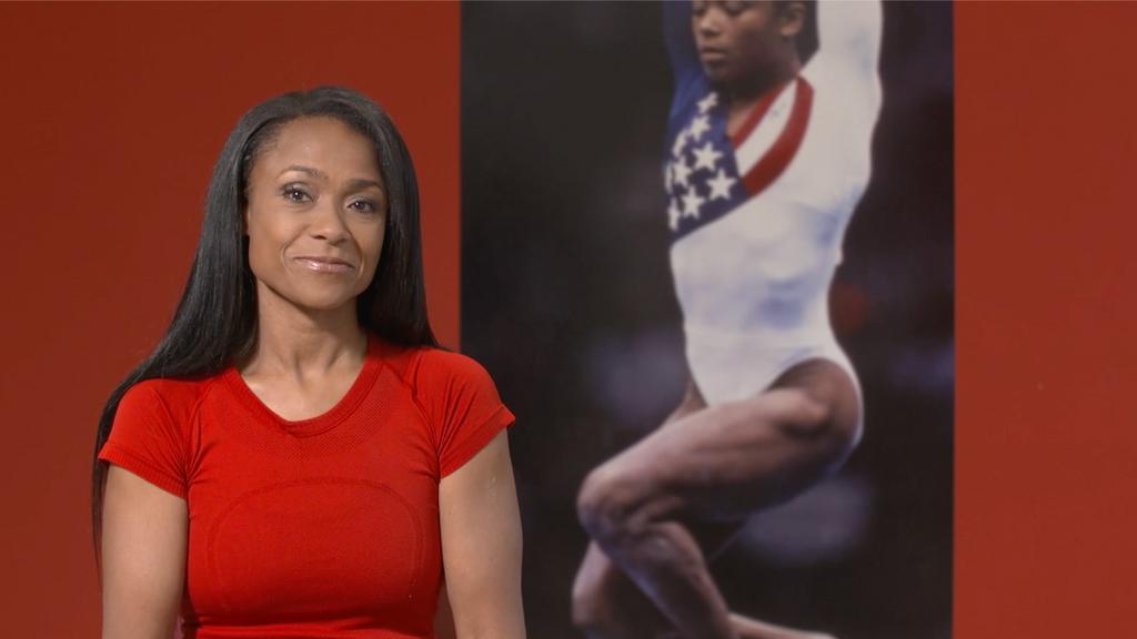 """VIDEO: Estrella olímpica de antaño afirma que Simone Biles debe """"tener el derecho a decir que no"""""""