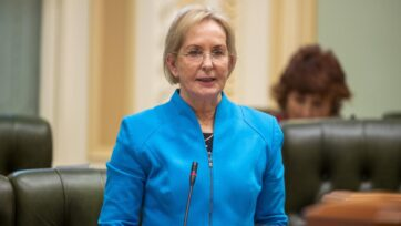 LNP health spokeswoman Ros Bates accused the state government of duping Queenslanders on hospitals.