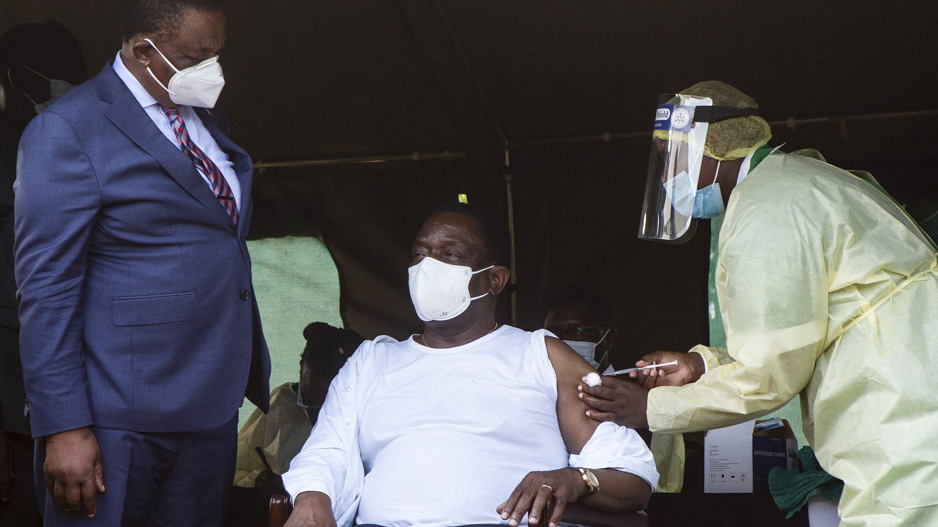 Zimbabwean President Fears U.S., West Will Use Covid-19 Vaccines To Topple Him
