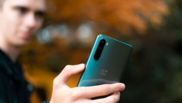(Representative image) According to Mashable, a reliable source has recently claimed that there would be no Oneplus 9T this year. (Harry Shelton on Unsplash)