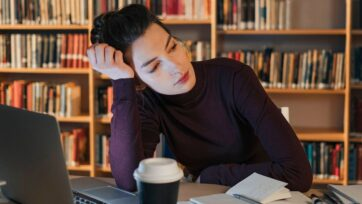 The willingness to work is not static and depends upon the fluctuating rhythms of fatigue. (Ron Lach/Pexels)