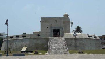 The Baluarte de Santiago, in Veracruz, continues to gather dust and ammunition. (Christian Valera Rebolledo/Café Words)