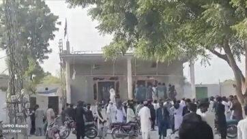 210809_N_PakistanTemple_01